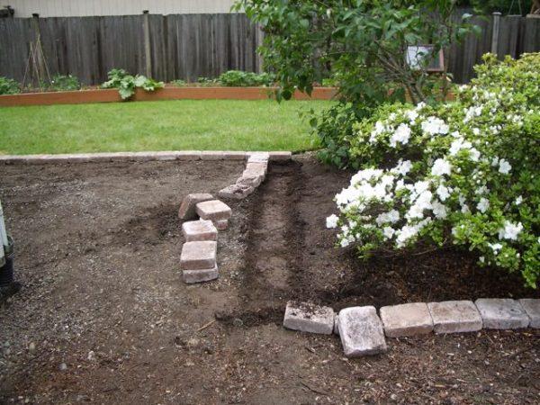 How to set paver edging