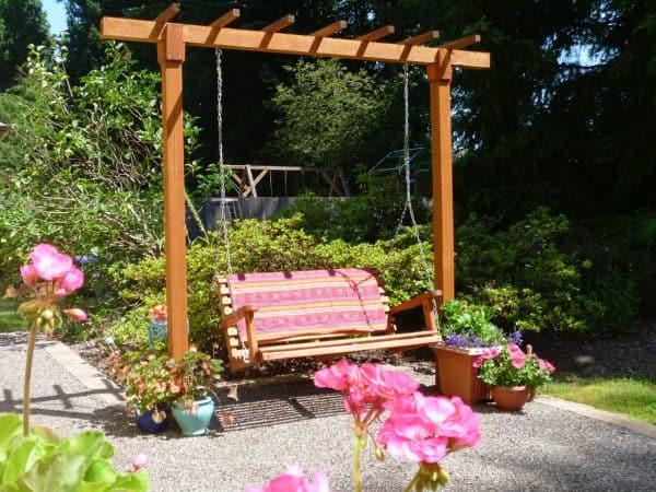 hanging porch swing