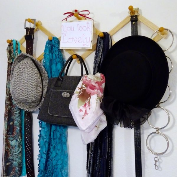 How to store scarves and belts
