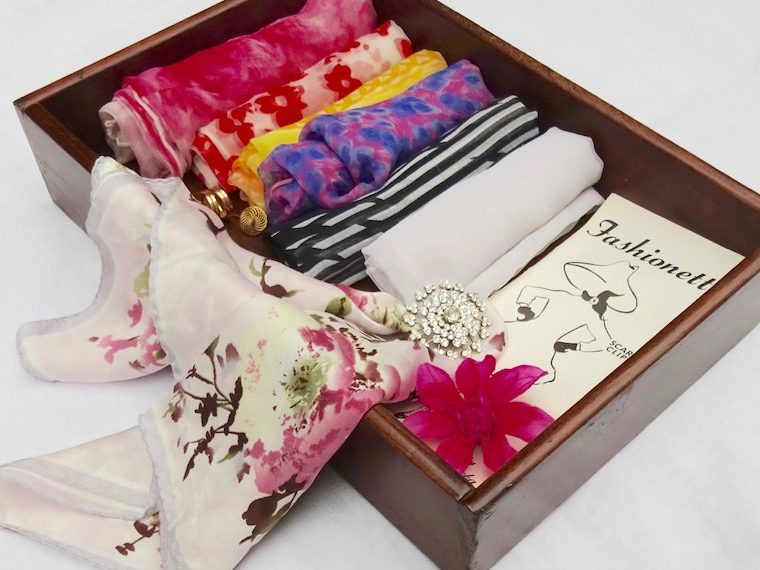 Use trays to store scarves