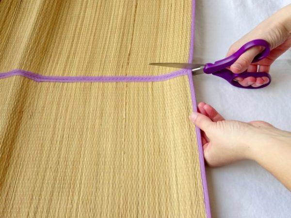 Cut apart a grass mat
