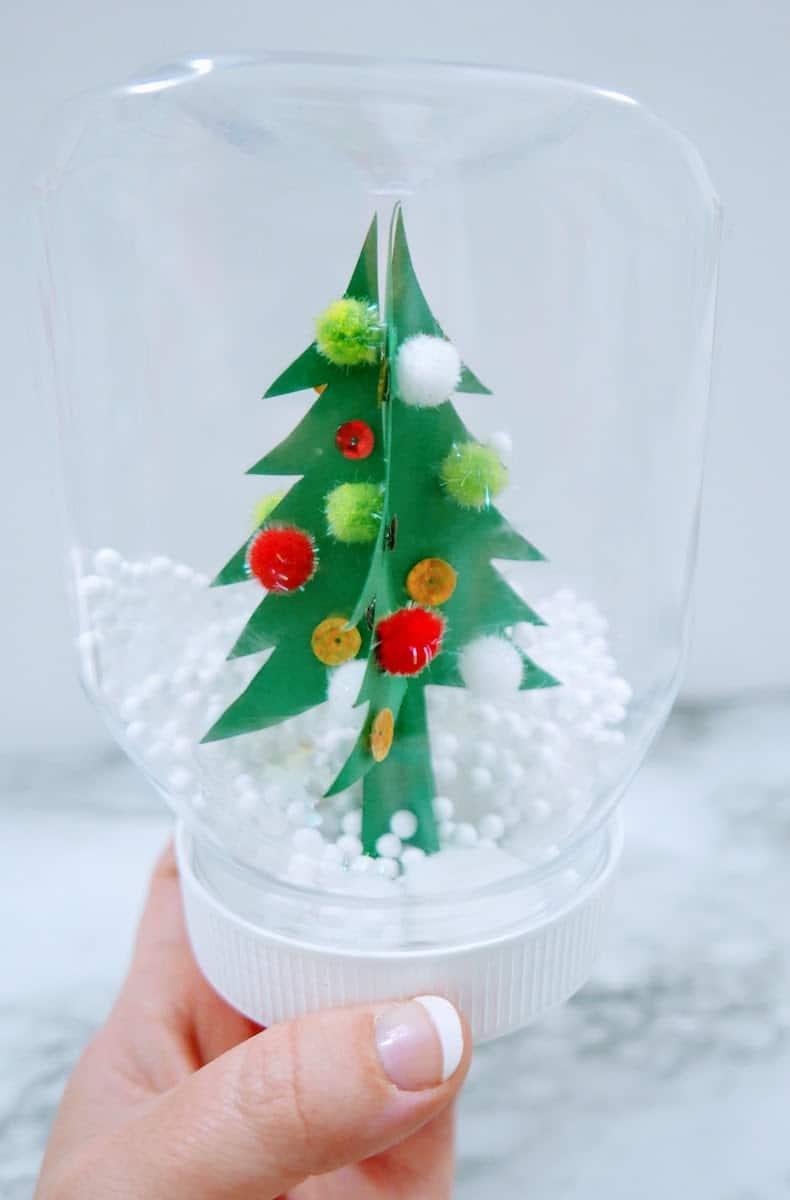 Easy Snow Globe Christmas Craft