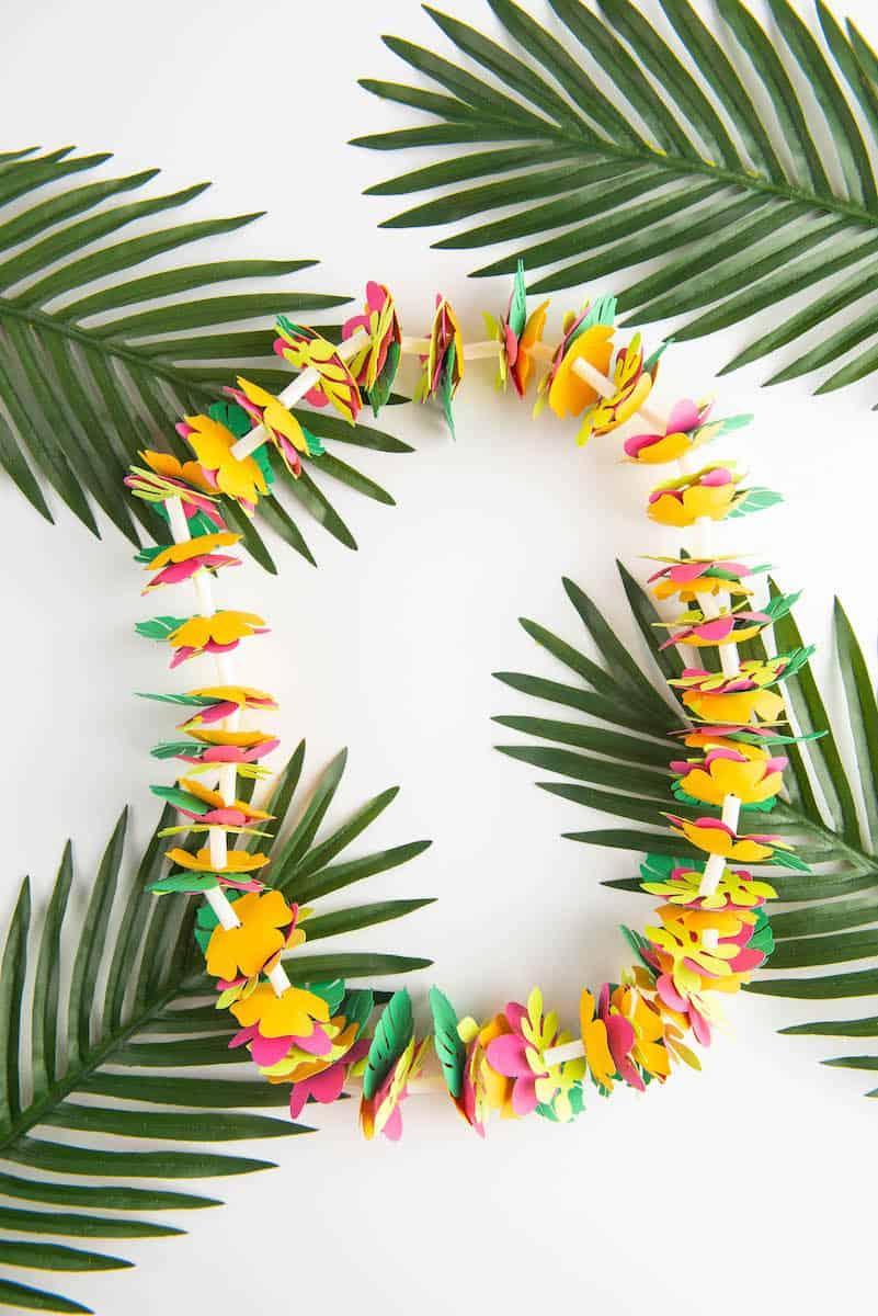 DIY Paper Hawaiian Necklace Lei