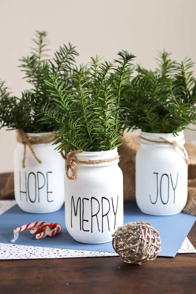 Christmas Mason Jars table centerpiece