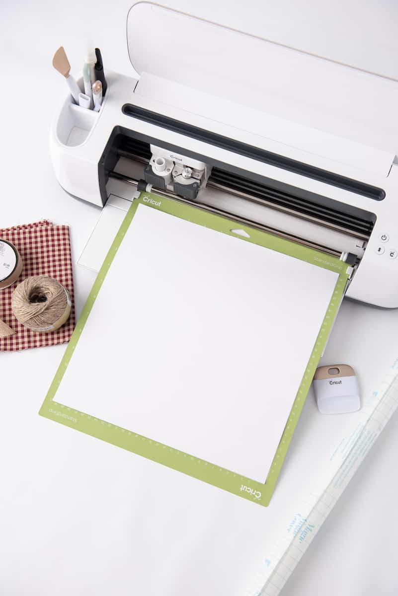 Loading Cricut Mat with Paper