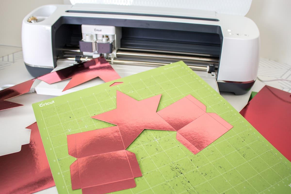 Star Gift Box Cut Out on Cricut Mat