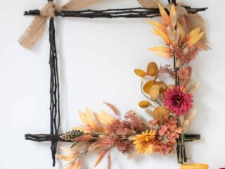 DIY Square wreath for autumn and Thanksgiving