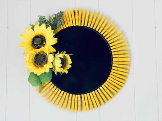 sunflower wreath with clothespins